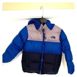 Hooded Reversible warm puffy for your toddler boy